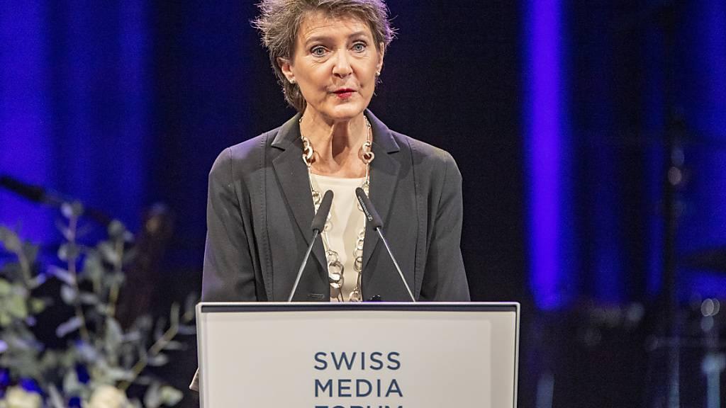 Bundesrätin Simonetta Sommaruga bei ihrer Rede zur Eröffnung des Branchenanlasses Swiss Media Forum in Luzern.