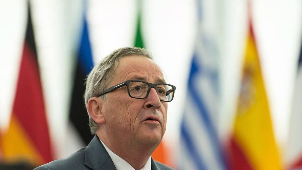 EU-Kommissionspräsident Jean-Claude Juncker bemühte sich, protestierende Regierungen zu besänftigen.
