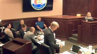 Verhandlung vor dem Gericht in Centennial mit dem angeklagten James Holmes (links aussen) (Archiv)