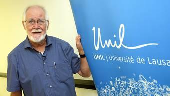Der Schweizer Jacques Dubochet sieht in der Vergabe des Nobelpreises für Chemie eine Anerkennung für seine langjährige Arbeit an der Universität Lausanne.