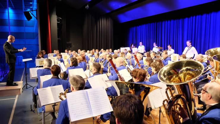 Die Stadtmusik Dietikon spielt zu ihrem Neujahrskonzert auf.