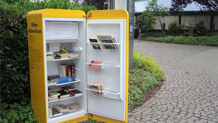 Bücher statt Eisgekühltem und Tiefgefrorenem gibt es neben der Eisdiele am Rudolf-Eberle-Platz in Bad-Säckingen.