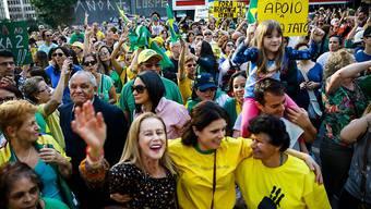 Demonstrationen gegen Korruption in Brasilien: Jüngster Fall ist die vorläufige Amtsenthebung des Senatspräsidenten. (Archivbild)