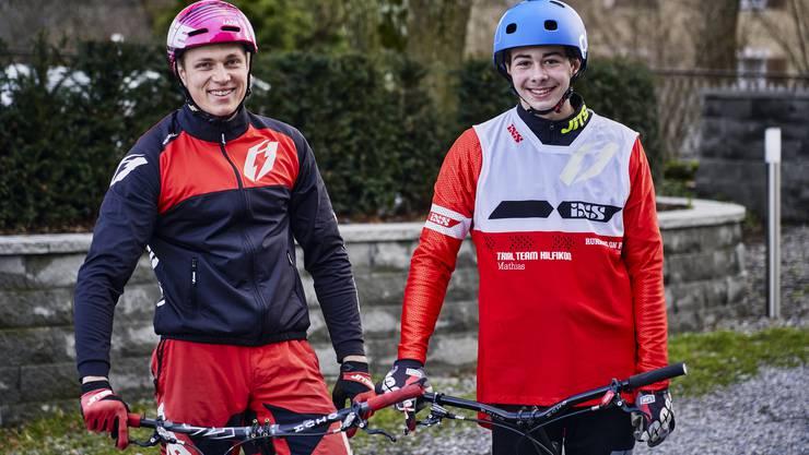 Adi Weber (links) und Mathias Hilfiker zeigen ihre Tricks