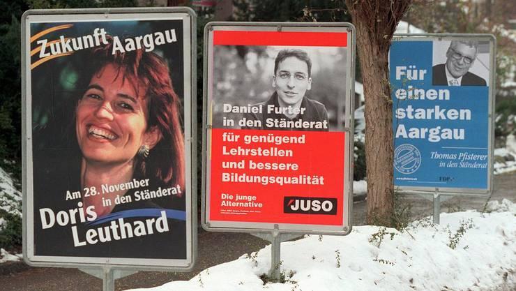 Ab 1997 im Aargauer Grossen Rat, kandidiert Doris Leuthard 1999 für den National- und Ständerat. Der damalige CVP-Parteisekretär Reto Nause, heute Berner Sicherheitsdirektor, liess Duschgel mit ihrem Gesicht verteilen. Die AZ titelte «Duschen mit Doris».
