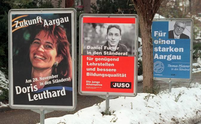 Seit 1997 im Aargauer Grossen Rat, kandidiert Doris Leuthard 1999 für den National- und Ständerat. Der damalige CVP-Parteisekretär Reto Nause, heute Berner Sicherheitsdirektor, liess Duschgel mit ihrem Gesicht verteilen. Die AZ titelte «Duschen mit Doris».