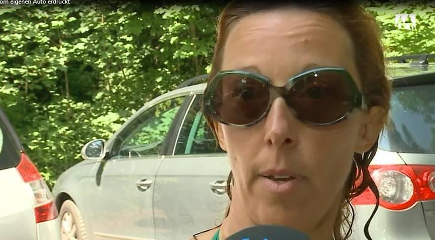 Rentnerin vom eigenen Auto erdrückt