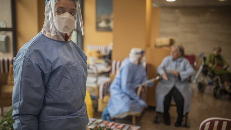 Ein Altersheim in Barcelona: Bei einem Notruf kommt wegen der vielen Fälle oft gar kein Krankenwagen mehr.