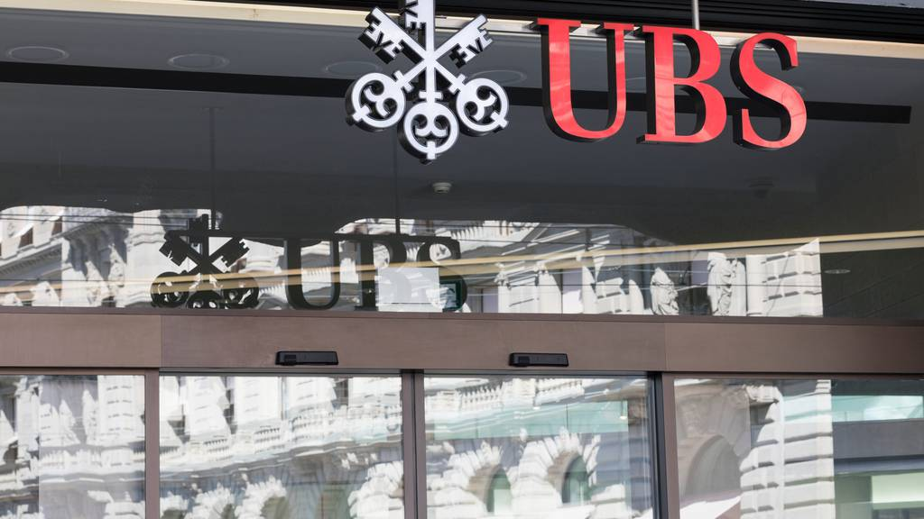 Nach Ja zu Vaterschaftsurlaub: UBS führt vierwöchigen Urlaub für ihre Mitarbeiter ein