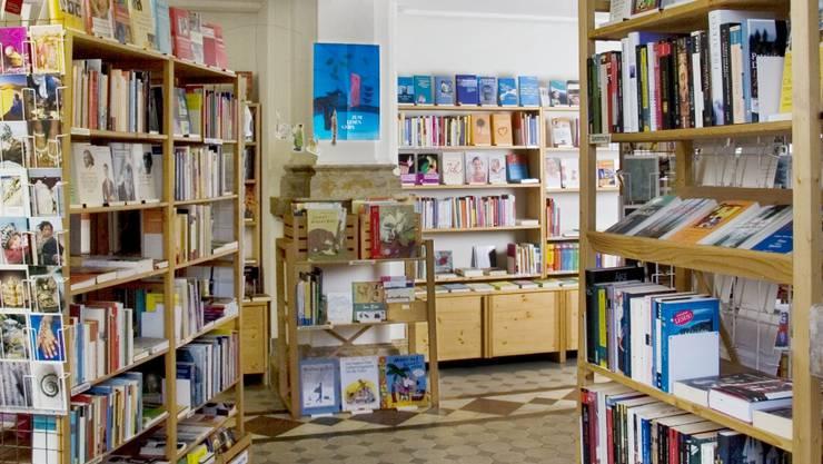 Ungestört abends, wenn ausser Büchern niemand im Buchladen Rapunzel in Liestal weilt. (Bild: ZVG/Heinz Sonderegger)