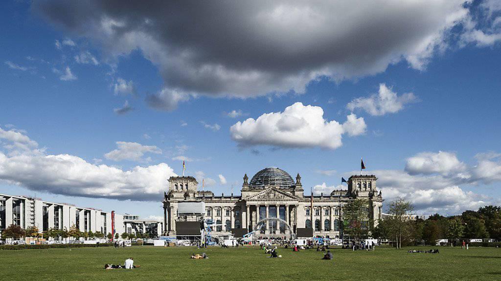 In Deutschland geht es mit der Wirtschaft aufwärts (Symbolbild vom Reichstag in Berlin).
