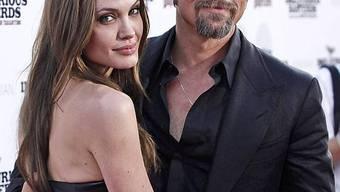 Brad Pitt will seiner Angelina Montenegro zeigen (Archiv)