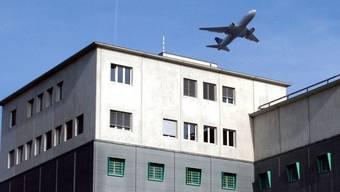 Gefängnis am Flughafen Zürich, wo auch die Ausschaffungshaft ist