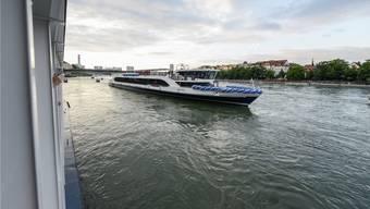 Im Mai wurde der «Rhystärn» auf dem Rhein bei Basel präsentiert – nun fährt das Schiff erstmals auch Rheinfelden an. AZ Archiv