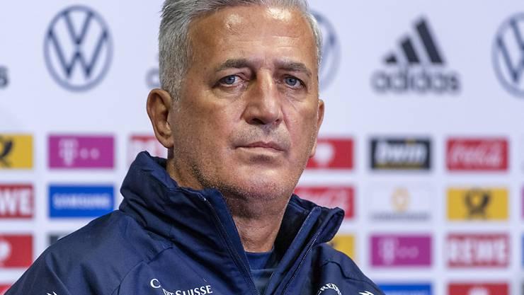 Skeptischer Blick von Nationaltrainer Vladimir Petkovic: Die Schweiz ist im FIFA-Ranking nur noch die Nummer 16