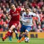 Hier Gegner, aber vielleicht schon bald Teamkollegen: Xherdan Shaqiri (im weissen Dress von Stoke) im Duell mit Liverpools Captain Jordan Henderson
