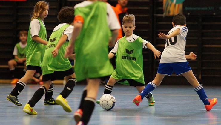 Volle Konzentration beim Urdorfer Fa-Junior gegen die Blue Stars.