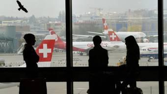 Flughafen Zürich muss die Gebühren senken.