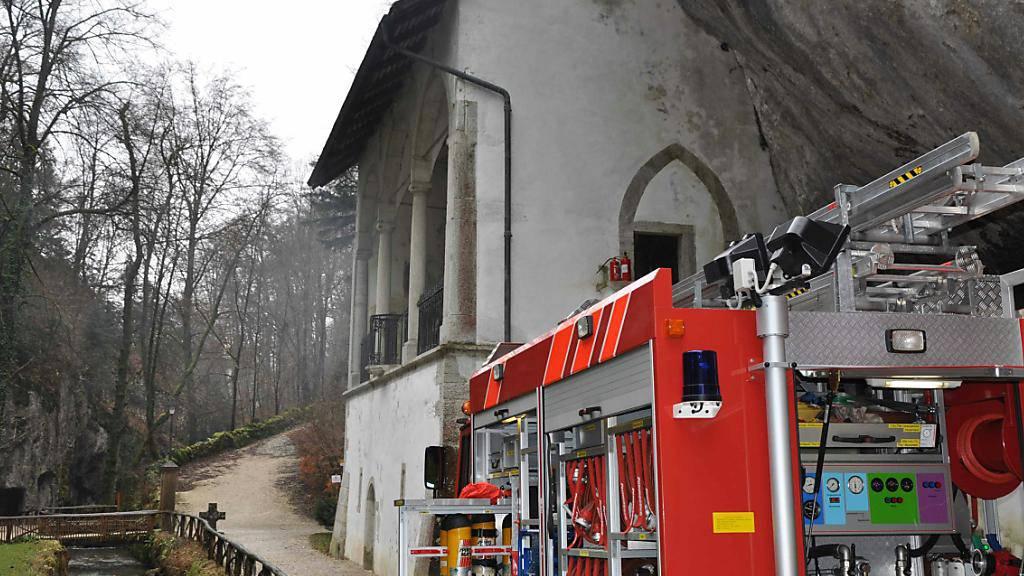 In einer Kapelle der Einsiedelei in Solothurner Verenaschlucht hat es gebrannt. Die Feuerwehr stand im Einsatz.