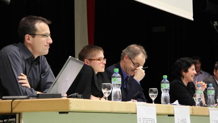 Reto Steffen, Fachstellenleiter Asyl beim Kanton; Claudia Hänzi, Leiterin Existenzsicherung beim Amt für soziale Sicherheit, und Polizeikommandant Thomas Zuber.