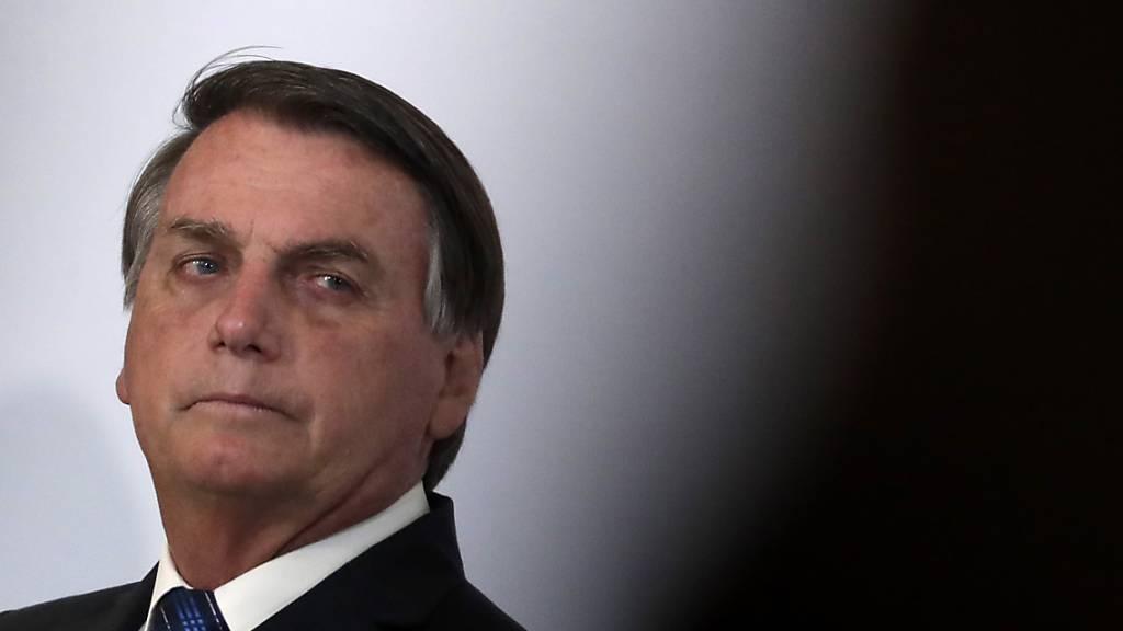 Geld in Unterhose versteckt: Bolsonaro entlässt Verbündeten