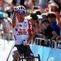 Caleb Ewan - der Australier im belgischen Team Lotto-Soudal, holt sich den Sieg in Pesaro