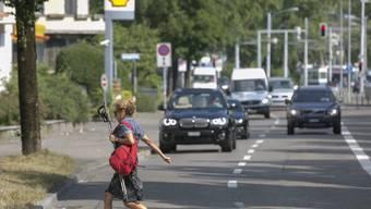 Anwohner der Bellerivestrasse fordern unter anderem durchgehende Velostreifen und Temporeduktionen.