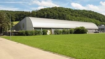 Die sanierungsbedürftige Kunsteisbahn soll mittels 8,7 Millionen Franken zu einer Eishalle mit moderner Infrastruktur aufgepeppt werden.