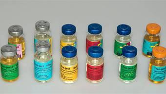 Im Laufe der Ermittlungen wurden riesige Mengen von Anabolika sichergestellt. Zu den Abnehmern gehören Personen aus der Bodybuilder-Szene.