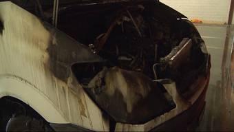 In der Tiefgarage des Gewerbeparks Mägenwil geriet ein Lieferwagen in Brand. Die starke Rauchentwicklung löste den Alarm aus. Verletzt wurde niemand.