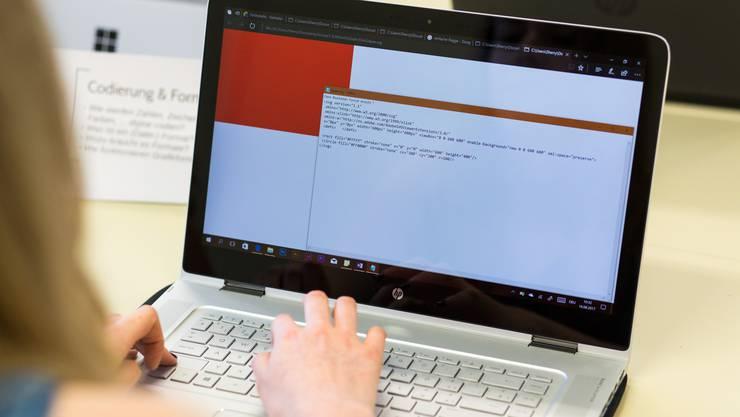 Convertible Computer verfügen über eine abnehmbare oder umklappbare Tastatur: Solche Geräte will sich Dietikon nun anschaffen.