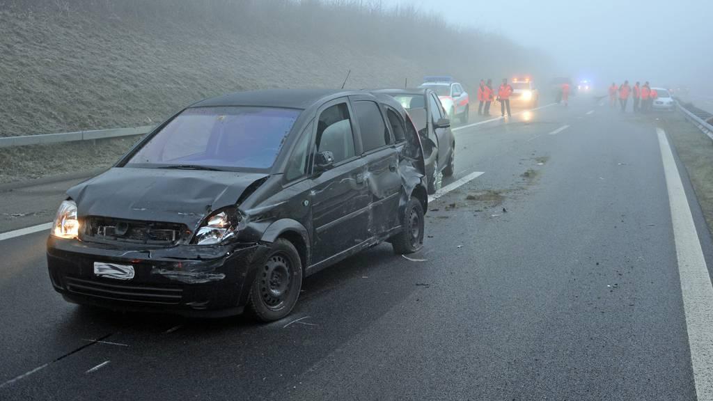 Insgesamt 12 Autos waren in die Unfälle verwickelt.
