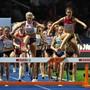 Fabienne Schlumpf (vorne rechts) führte das Steeple-Feld der Frauen bis 300 m vor dem Ziel an