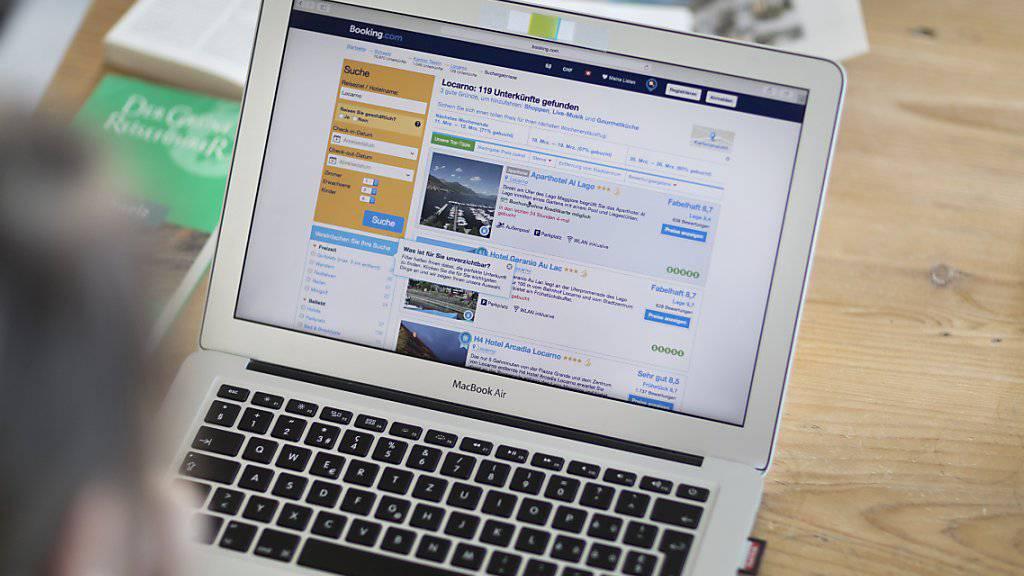 lastminute.com kauft mit weg.de ein deutsches Online-Portal, welches auf Pauschalreisen spezialisiert ist. (Symbolbild)