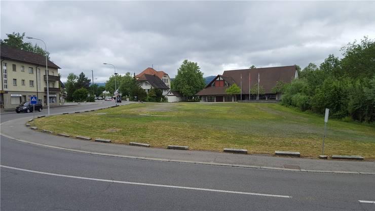 Der Bärenplatz liegt an der Mitteldorfstrasse, vor dem Gemeindesaal. Hier stand einst der Gasthof Bären. Nadja Rohner
