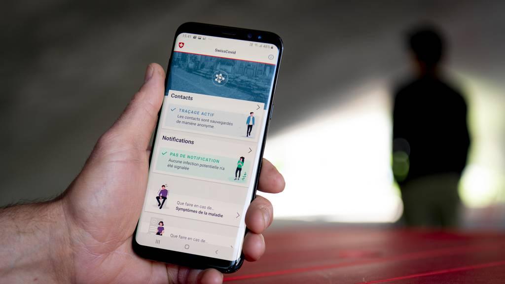 SwissCovid App kommt besser an als Online-Shops