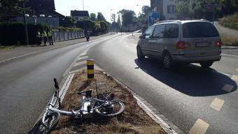 E-Bike-Fahrerin soll nach ersten Erkenntnissen das Rotlicht missachtet haben.