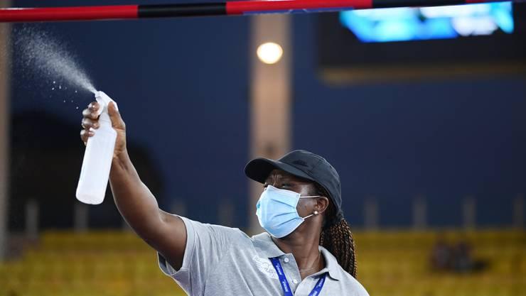 Beim Leichtathletik-Meeting in Monaco wurde selbst die Latte im Hochsprung regelmässig desinfiziert. Für die 5000 Zuschauer im Stadion galt strikte Maskenpflicht.