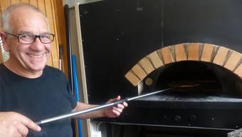 Heissbegehrte italienische Köstlichkeiten: Salvino Modica in seiner Pizzaküche.