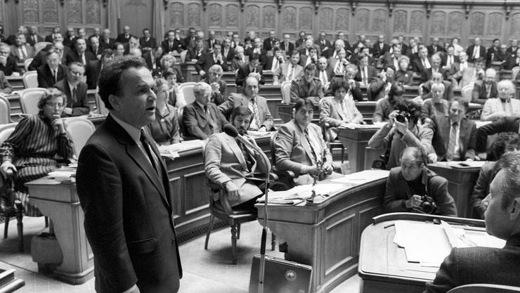Otto Stich wurde an Stelle von Lilian Uchtenhagen in den Bundesrat gewählt. Am 7. Dezember 1983 erklärte er Annahme der Wahl.