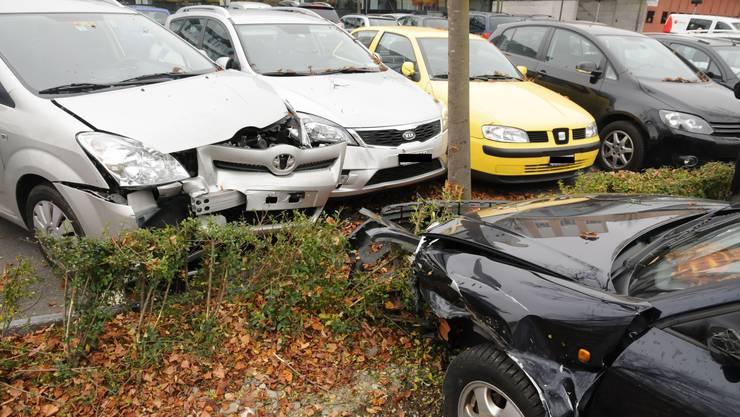 Gleich drei Autos haben nach dem Unfall nur noch Schrottwert