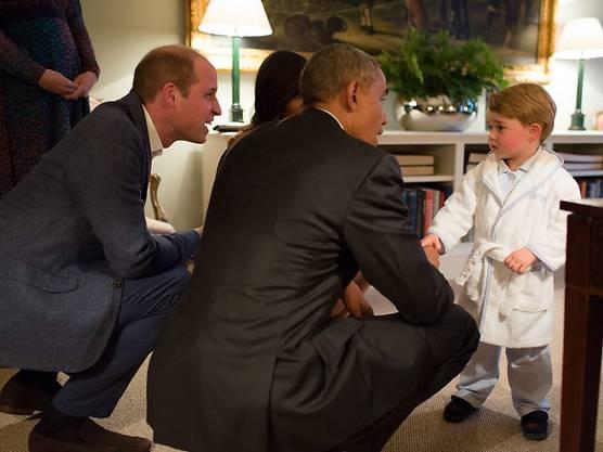 Prinz George begrüsst reicht US-Präsident Barack Obama die Hand - und wickelt alle um den Finger.