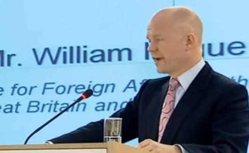 Der britische Aussenminister William Hague während seiner Rede (Screenshot Al Jazeera)