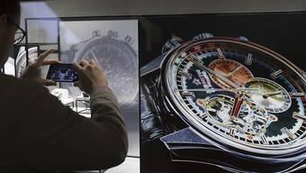 Die Uhren- und Schmuckmesse Baselworld zeigt sich offen für Gespräche über eine Kooperation mit der Genfer Uhrenmesse SIHH. (Archiv)