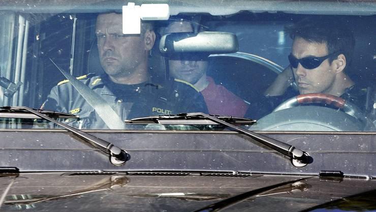 Breivik wird am Freitag 29.7.2011 zum Gericht gefahren