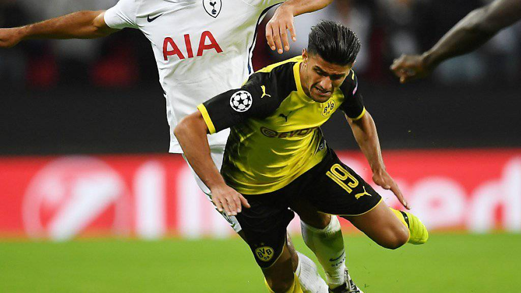 Dortmund kam in London zu Fall: Mahmoud Dahoud (19) im Zweikampf mit Tottenhams Mousa Dembélé