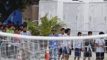 Die US-Armee soll zukünftig 20'000 unbegleitete Migrantenkinder unterbringen. (Foto: Brynn Anderson/AP)