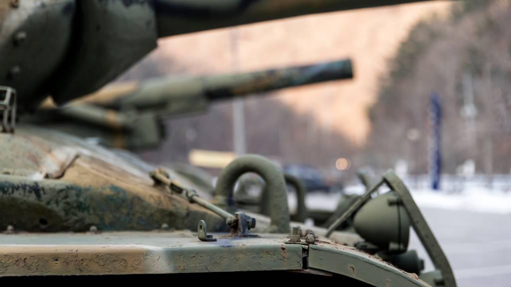 Vier Soldaten bewusstlos in Panzer gefunden