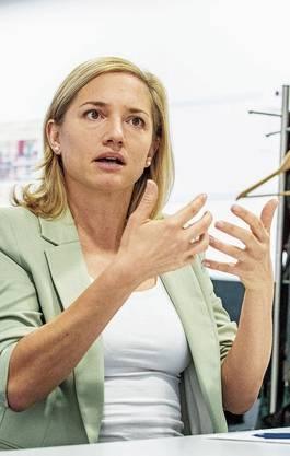 Esther Keller kritisiert das bürgerliche Wahl-Schlagwort Kontinuität. Beat Jans will den Klimaschutz präsidial vorantreiben. Stephanie Eymann hält wenig von einer Frauen-Quote.