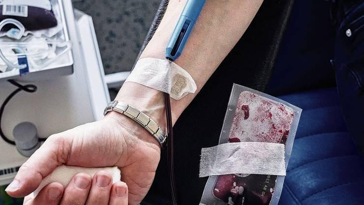 Auch in Zeiten von Corona ist das Spenden von Blut wichtig.